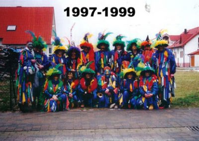 kostueme im jahr 1997 99 008